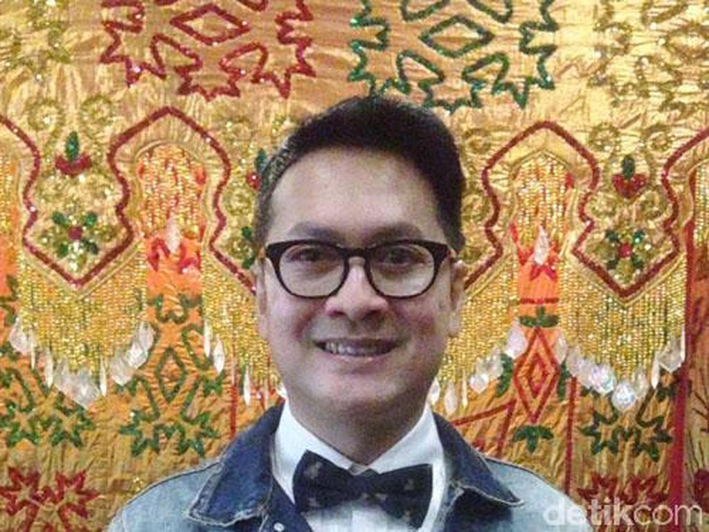 Denny Wirawan Bangga Batik Tampil di Paris