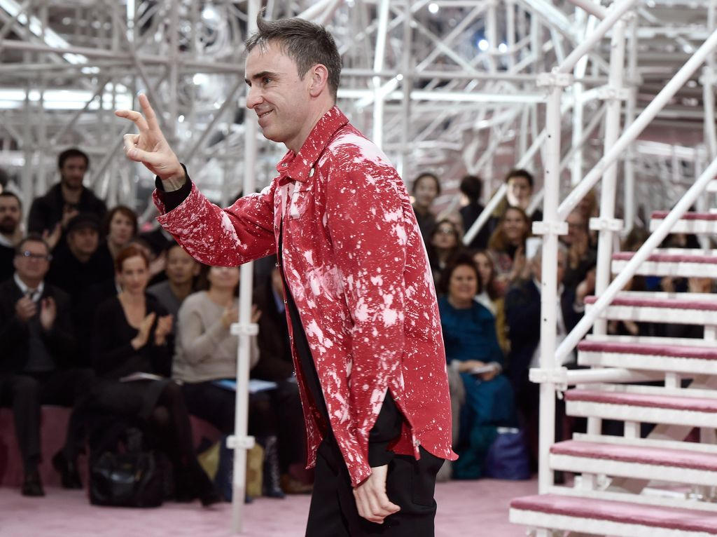 Hengkang dari Calvin Klein, Kinerja Raf Simons Disebut Mengecewakan