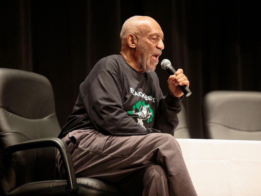 Bill Cosby yang Disambut Suka Cita Fansnya Usai Bebas dari Penjara