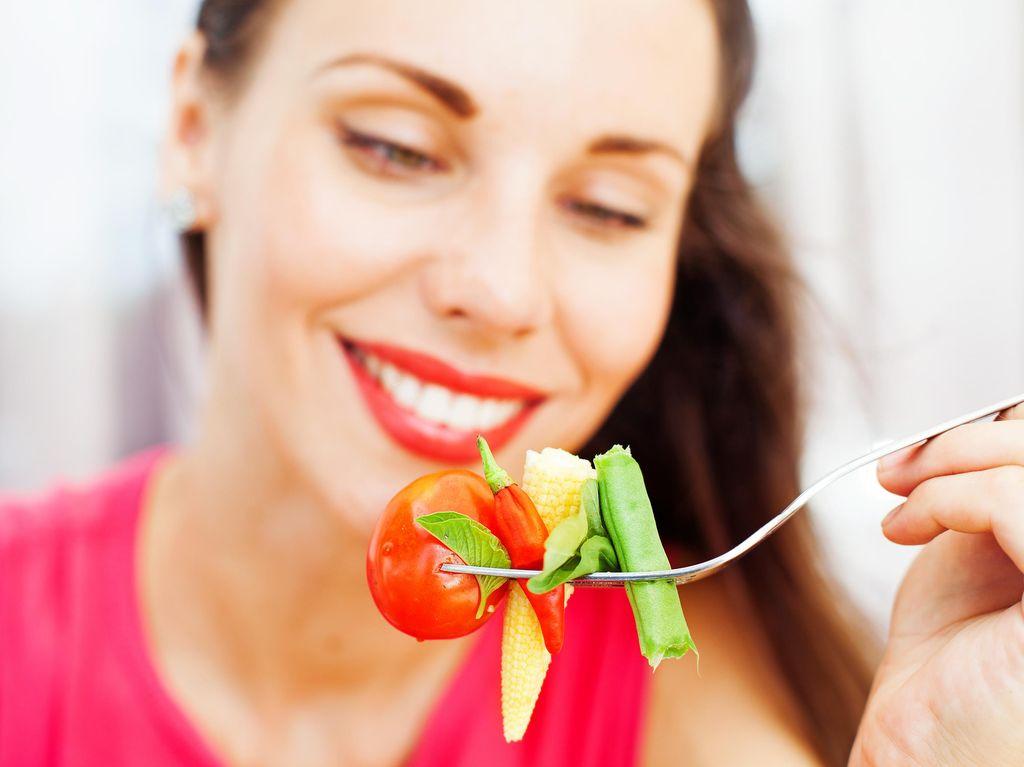 Studi: Dilayani Pelayan Restoran Bertubuh Gemuk Bikin Nafsu Makan Meningkat