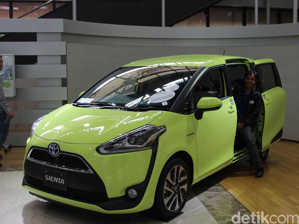 Setelah Diluncurkan di IIMS, Sienta Digilir ke Diler-diler Toyota