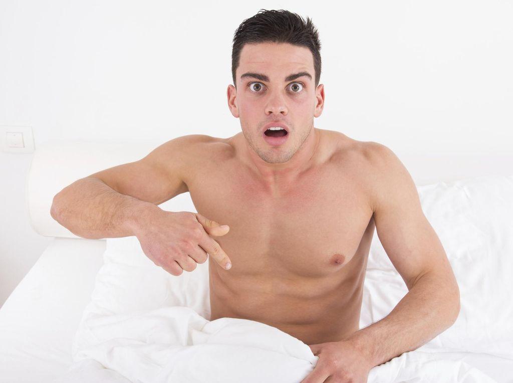 Mabuk, Pria Ini Terkejut Lihat Mr P Nyaris Putus Saat Bangun Tidur