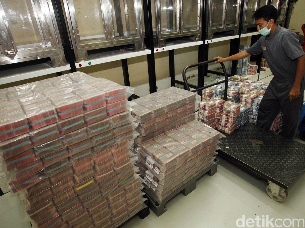 Jaring Dana, Pemerintah hingga BI Diminta Tidak Jeruk Makan Jeruk