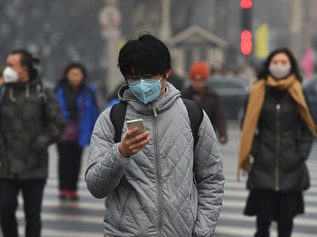 Polusi di Jakarta Tinggi, Pakai Masker ala Ojol Efektif Nggak Sih?