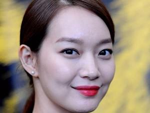 Tampar-tampar Wajah Sendiri, Rahasia Kulit Glowy Wanita Korea