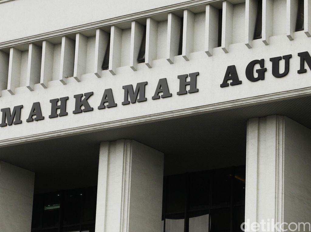 ICW Minta MA Berani Tolak PK Anas Urbaningrum, Irman dan OC Kaligis