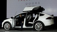 Garap Perangkat Autopilot, Tesla Rekrut Insinyur Apple