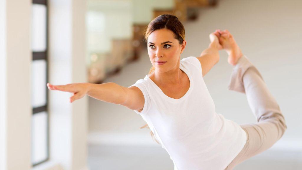 Yoga Bisa Tangkal Pikun, Yuk Lakukan Bersama-sama di Akhir Pekan Ini