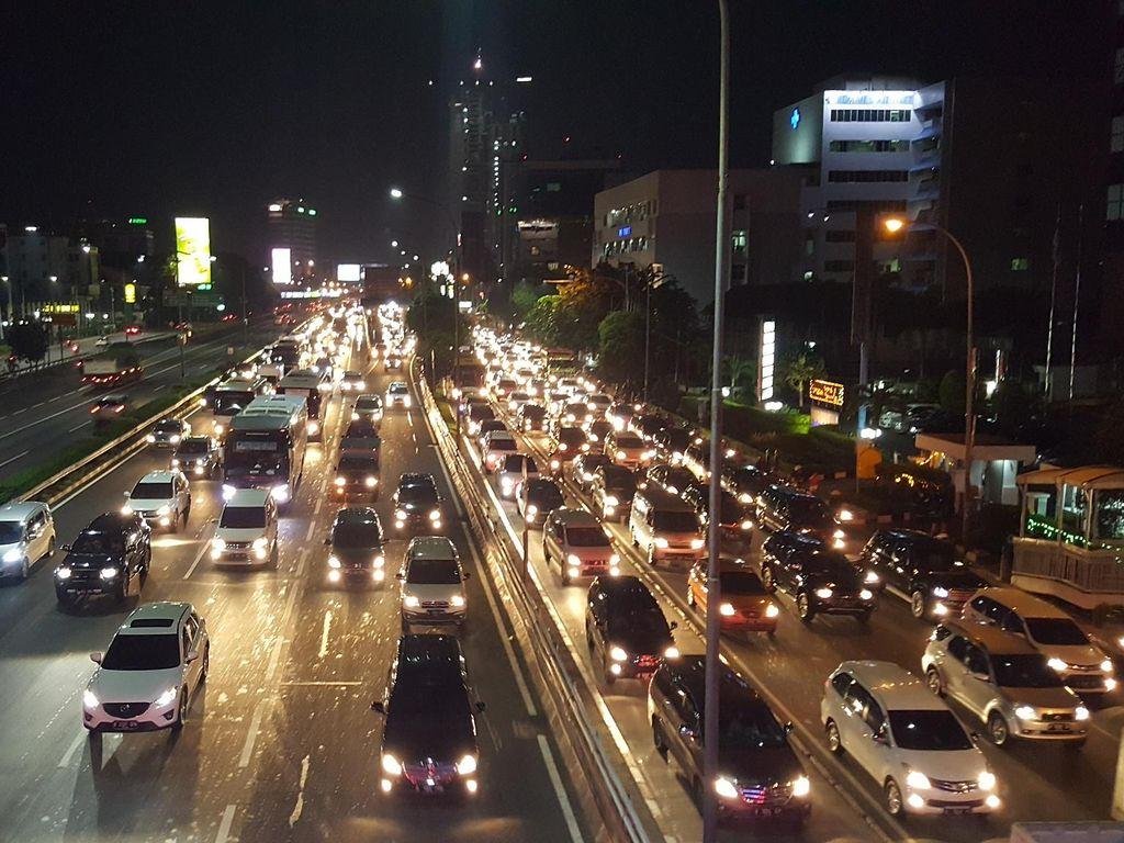 Pasca-hujan Deras, Tol Dalam Kota Jakarta Macet