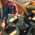 Kaca Mobil Tak Ditutup Rapat Tak Pecah Bila Dilempar Busi?