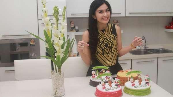 Sambut Natal Sandra Dewi Sumringah Banget!