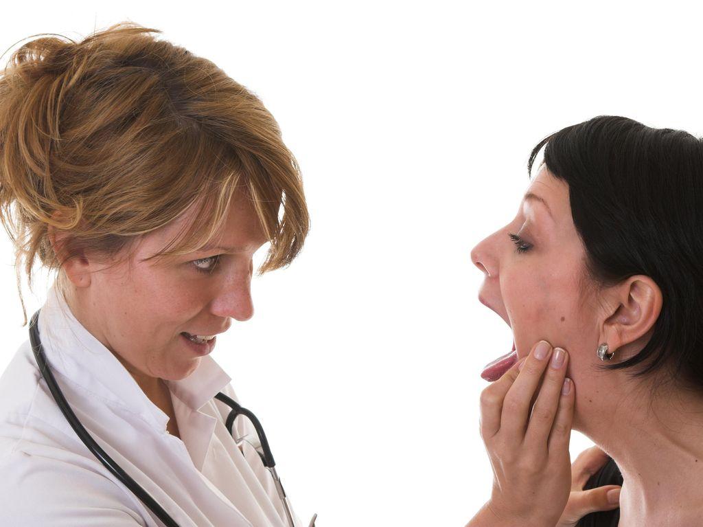 4 Kondisi Kesehatan yang Bisa Terlihat dari Lidahmu (2)