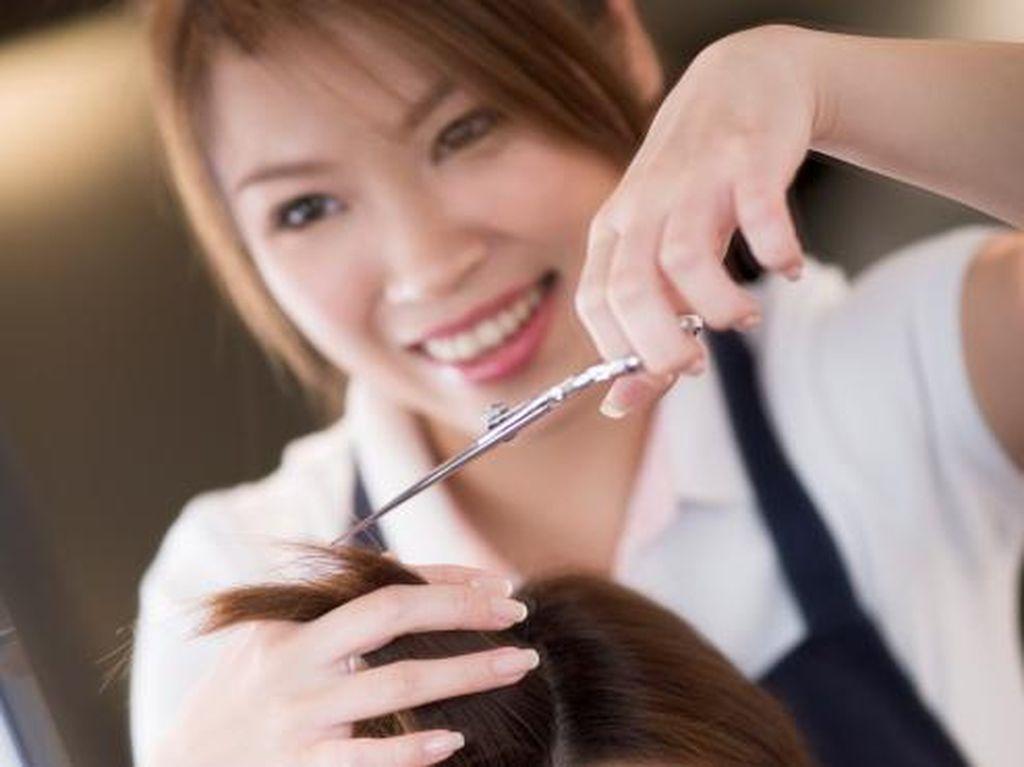 Seberapa Sering Sebaiknya Wanita Potong Rambut? Ini Saran dari Hairstylist