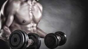 Kepala Seorang Pria Tertimpa Barbel Saat Fitness di Surabaya