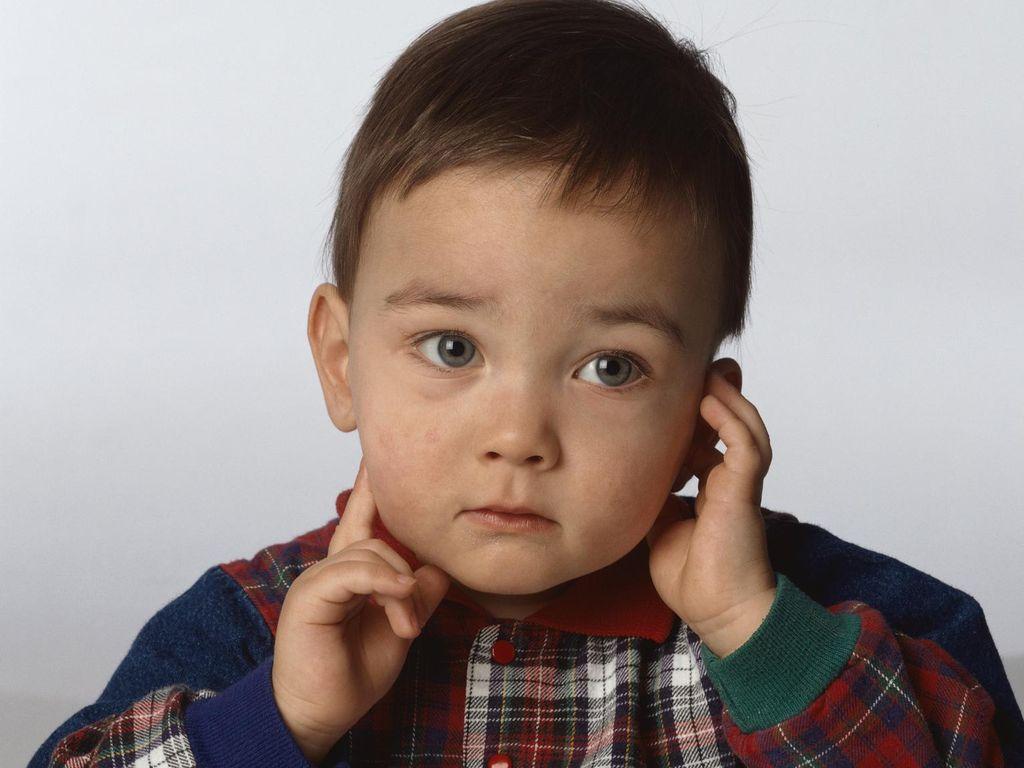 Cegah Ketulian, Kenali Faktor Risiko Pada Bayi Baru Lahir