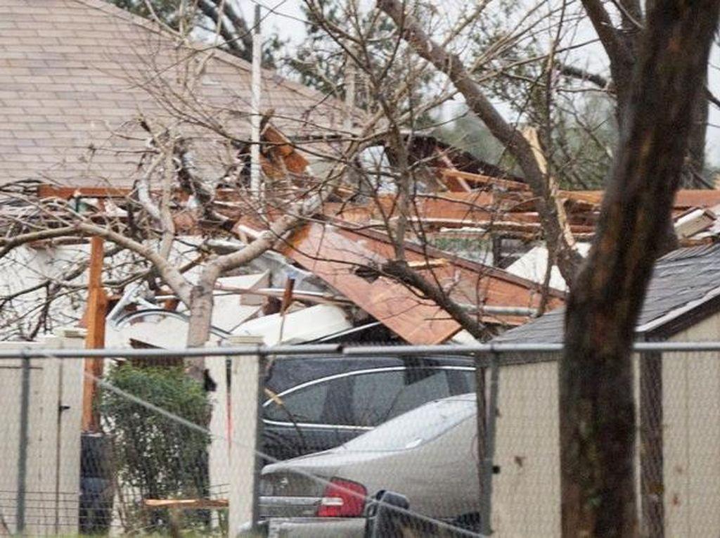 Tornado Terjang Alabama AS, Lima Orang Tewas