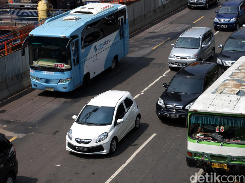 Curhat Penumpang Bus Feeder ke PIK: Bayar Rp 6.000 dan Dikasih Tiket Sobekan