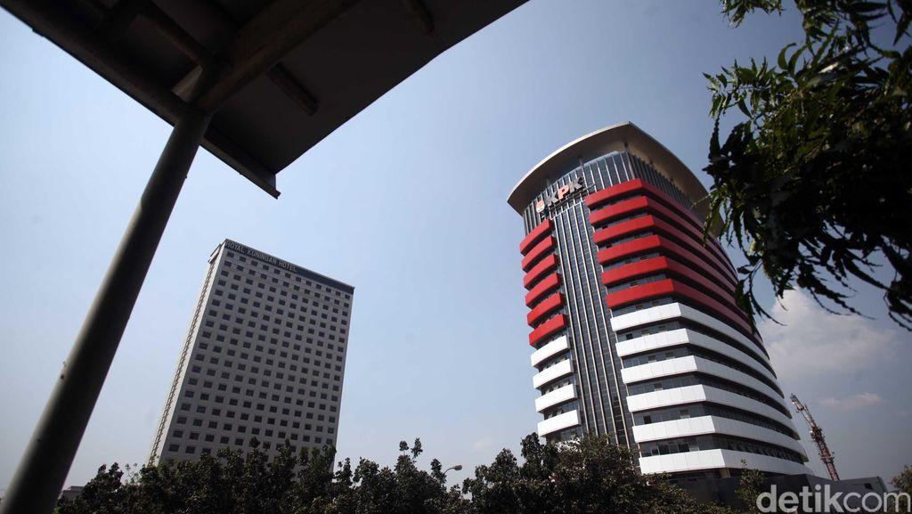 Lexus dan Mercy Dilelang KPK Rp 1 Miliaran, Ada yang Berminat?