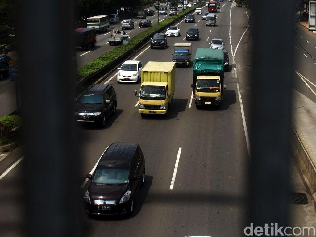 Lewat Tol saat Mudik, Truk Ekspor-impor Harus Pakai QR Code