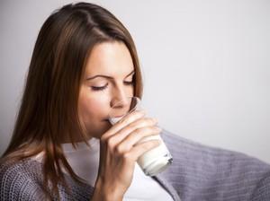 Ini Gejalanya Jika Anda Mengalami Intoleransi Laktosa karena Susu