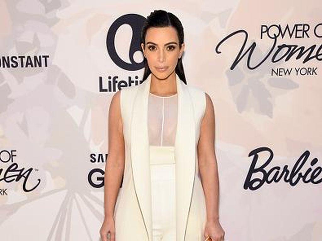 Kim Kardashian Targetkan Turun Berat Badan 1 Kg Seminggu dengan Diet Atkins