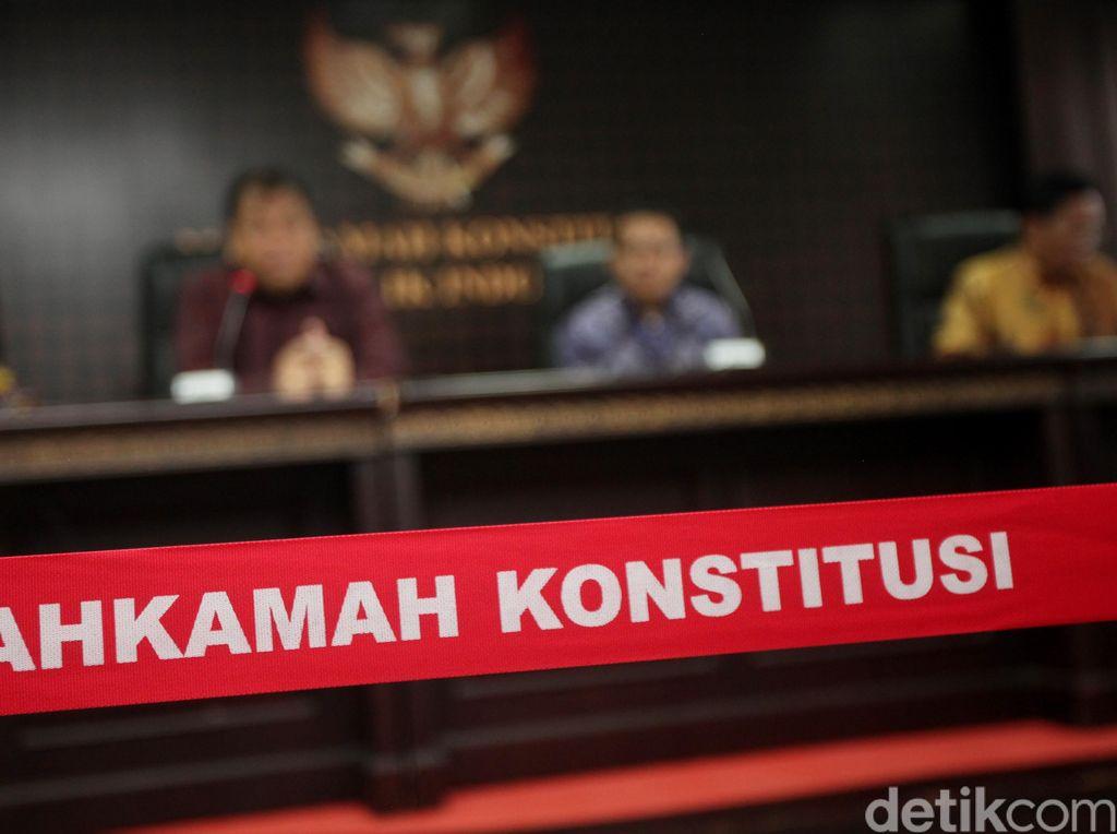 Hak Politik dalam Belenggu Putusan MK