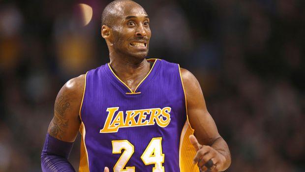 Setelah menggunakan nomor 8 sejak awal kariernya, Kobe Bryant menggunakan nomor 24 sejak 2006.
