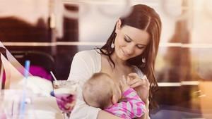 Tak Bisa Ibu Saja yang Berjuang, Menyusui Pun Perlu <i>Support System</i>