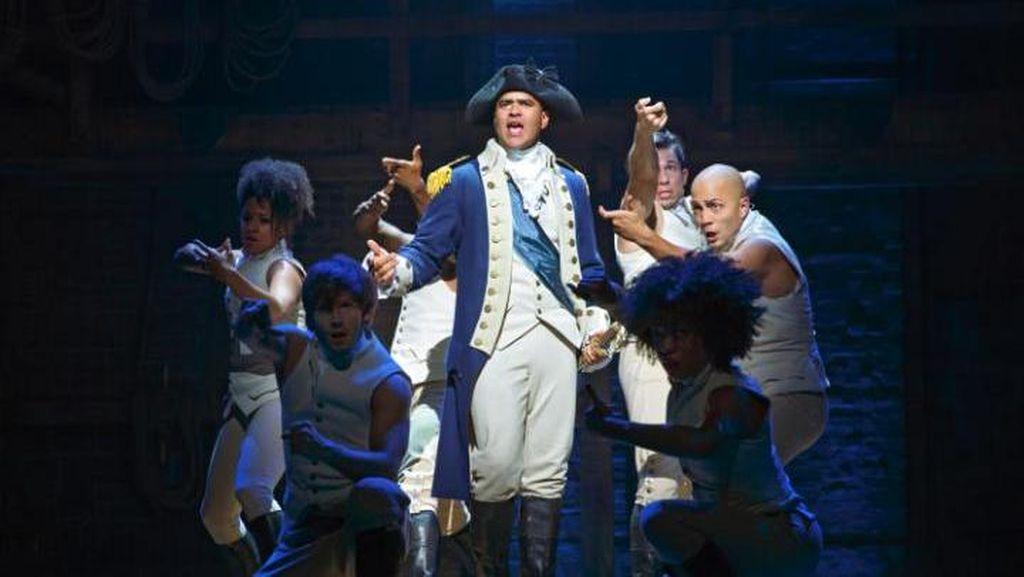 Fantastis! Debut di London, Tiket Tertinggi Pentas Hamilton Dijual Rp 48,4 juta