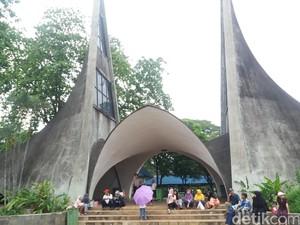 Kebun Binatang Ragunan Ditutup Sehari dari Kunjungan Warga