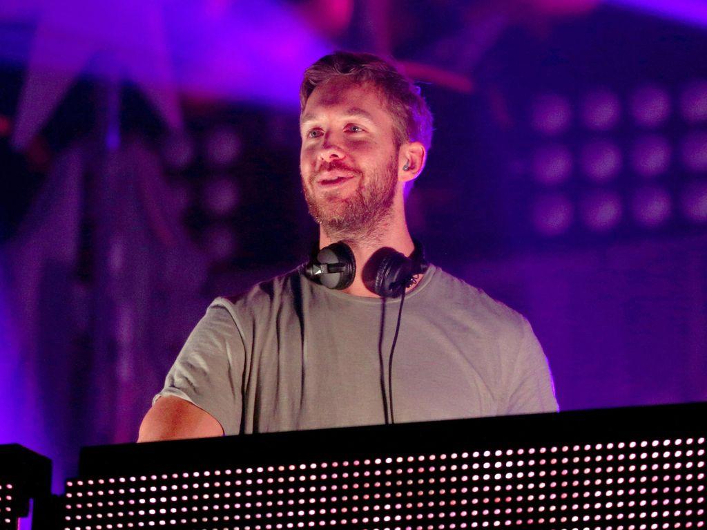 Gagal Move On! Calvin Harris Liburan ke Meksiko Bareng Mantan