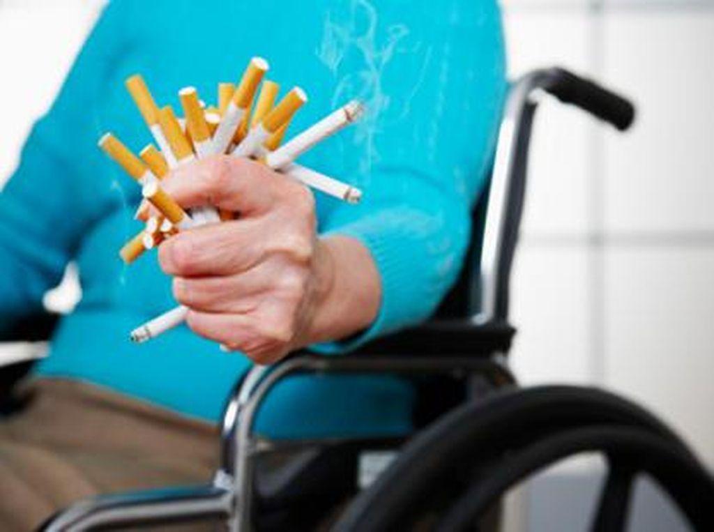 Merokok atau Vaping Tingkatkan Risiko Gejala Parah Infeksi Corona