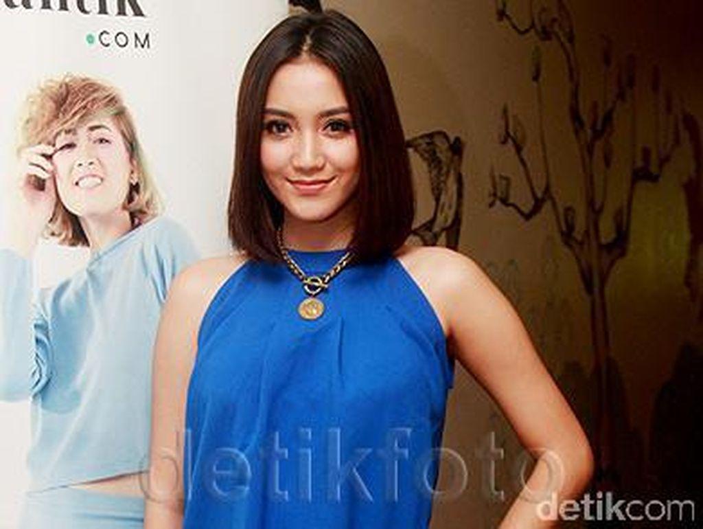 Erica Putri, si Cantik yang Sering Disebut Kembaran Citra Kirana