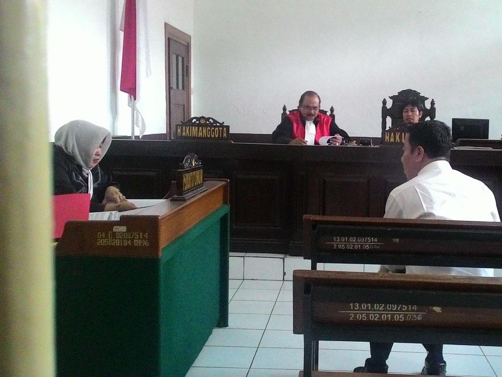 Didakwa Korupsi Dana Hibah, Politisi Golkar Dituntut 3 Tahun Penjara