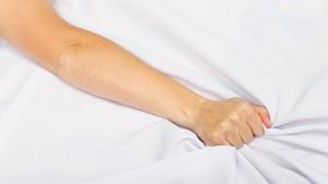 Nyeri Saat Bercinta? Bisa Jadi karena Endometriosis