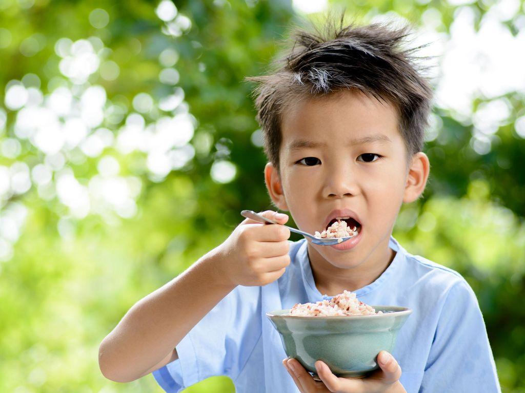 Penuhi Kebutuhan Protein Nabati Anak dengan Kedelai Yuk, Bun
