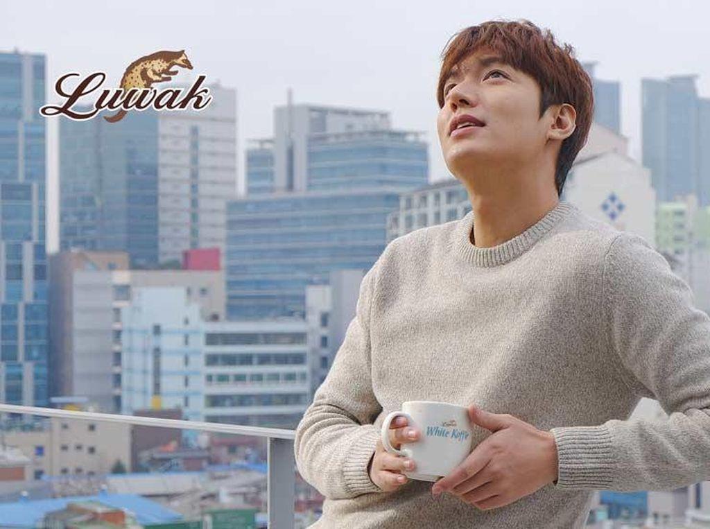 Jadi Bintang Iklan Luwak White Koffie, Berapa Bayaran Lee Min Ho?