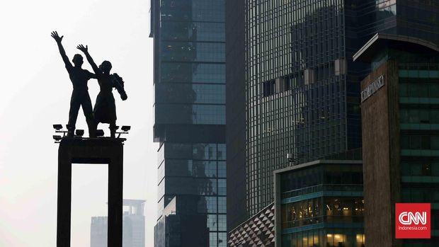 Monumen Selamat Datang adalah sebuah monumen yang terletak di tengah Bundaran Hotel Indonesia, Jakarta, Selasa, 5 Januari 2016. Monumen yang didesaion oleh Edhi Sunarso ini berupa patung sepasang manusia yang sedang menggenggam bunga dan melambaikan tangan. CNN Indonesia/Safir Makki