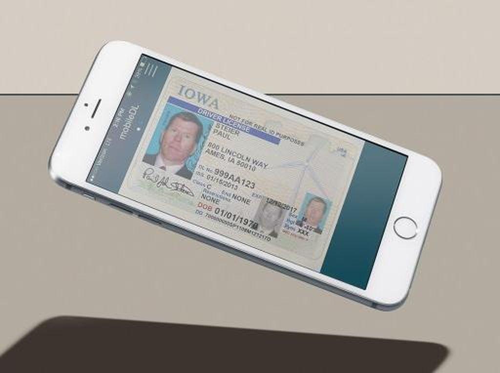Bikin Iri, Tunjukkan SIM Cuma Keluarkan HP di Negara Ini