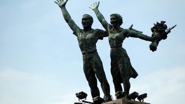 Monumen Selamat Datang di Bundaran HI, Jakarta.