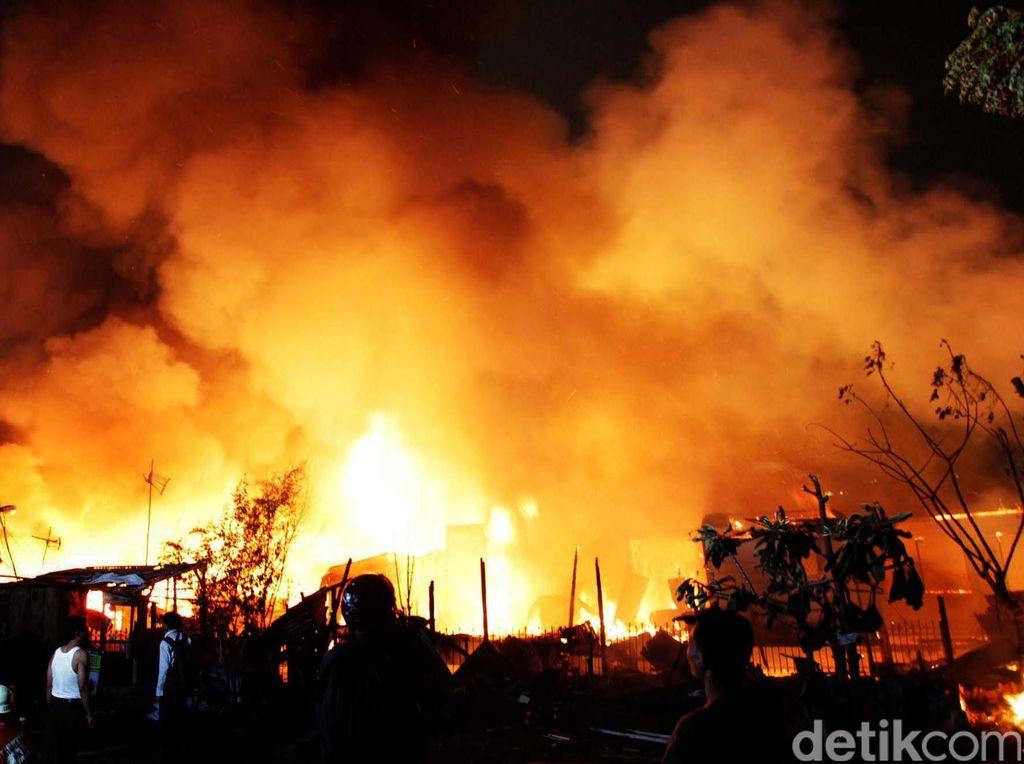 Sejumlah Rumah di Permukiman Tanah Abang Jakpus Kebakaran