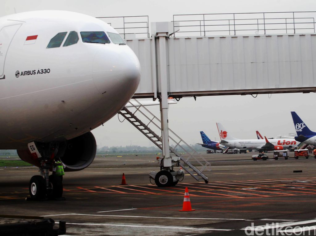 Tips Berburu Tiket Pesawat Murah Biar Nggak Kehabisan