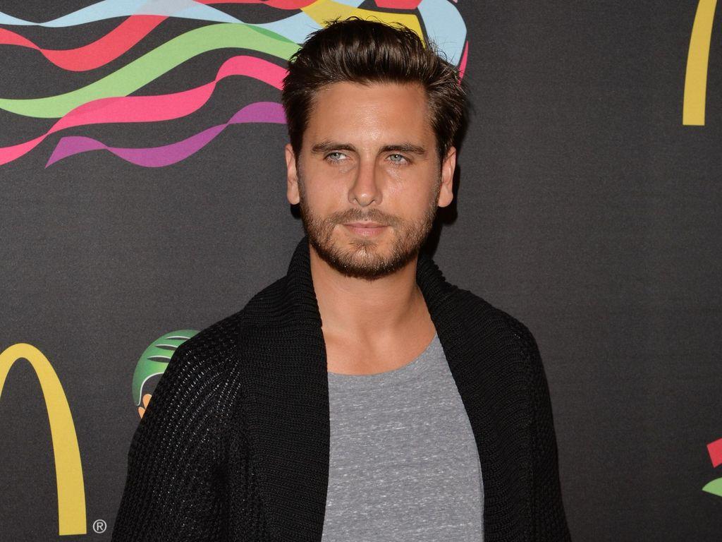 Khloe Kardashian Dikabarkan Hamil Anaknya, Begini Respons Scott Disick