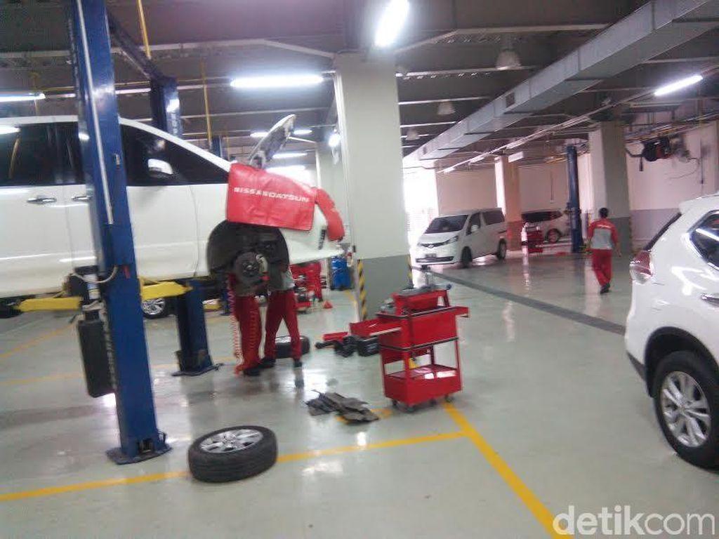Bengkel Mobil Buka di Tengah PPKM Darurat, Buat Dukung Ambulans dan Kendaraan Logistik