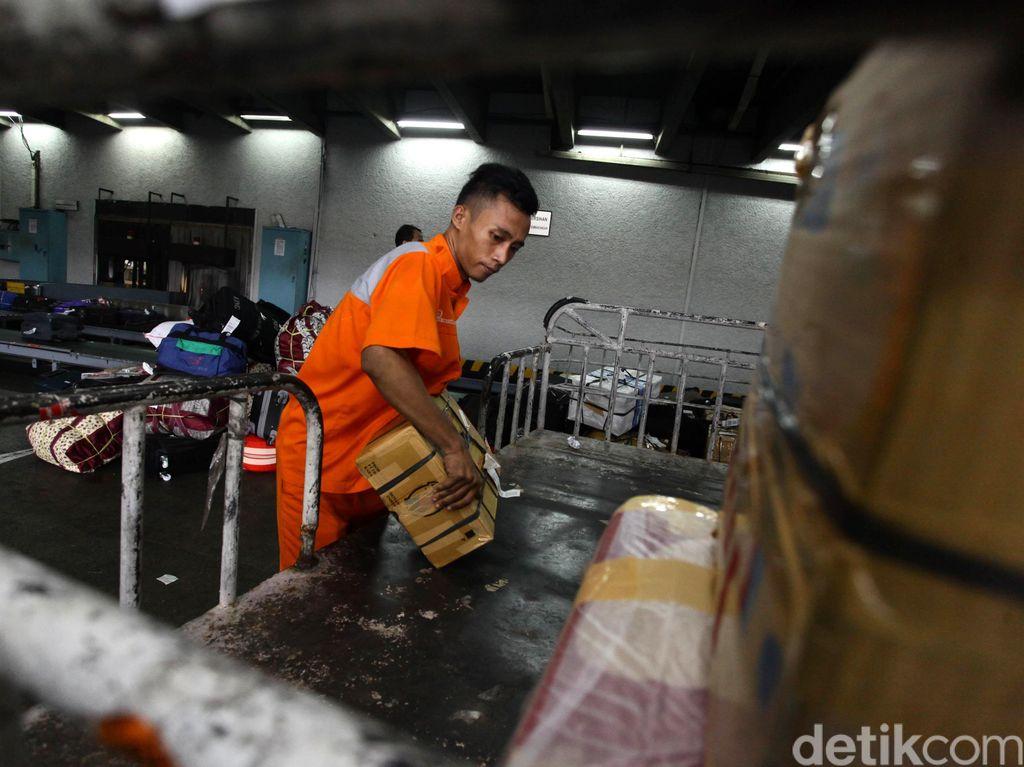 Dicekik Tarif Kargo Udara, 4 Perusahaan Logistik Gulung Tikar