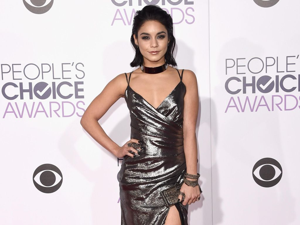 Selebriti Berbusana Terburuk di Peoples Choice Awards 2016