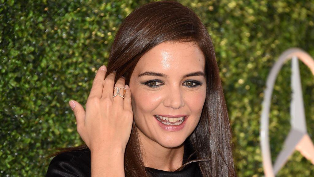 Katie Holmes Bantah Resmi Nikah dengan Jamie Foxx