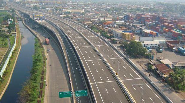 Pembangunan infrastruktur oleh pemerintah Jokowi-JK diapresiasi oleh masyarakat.