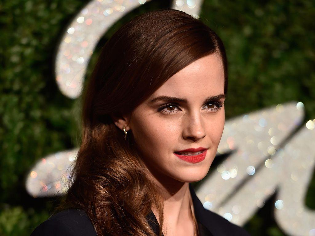 Ini Makeup yang Selalu Dipakai Emma Watson Saat Hadiri Acara Penting
