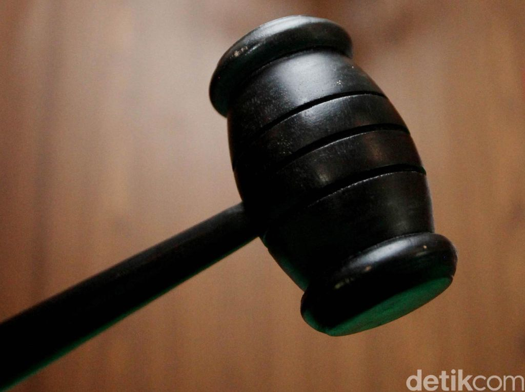 Hakim Mahkamah Syariyah Idi Dipukul Pakai Palu Usai Putus Perkara Cerai